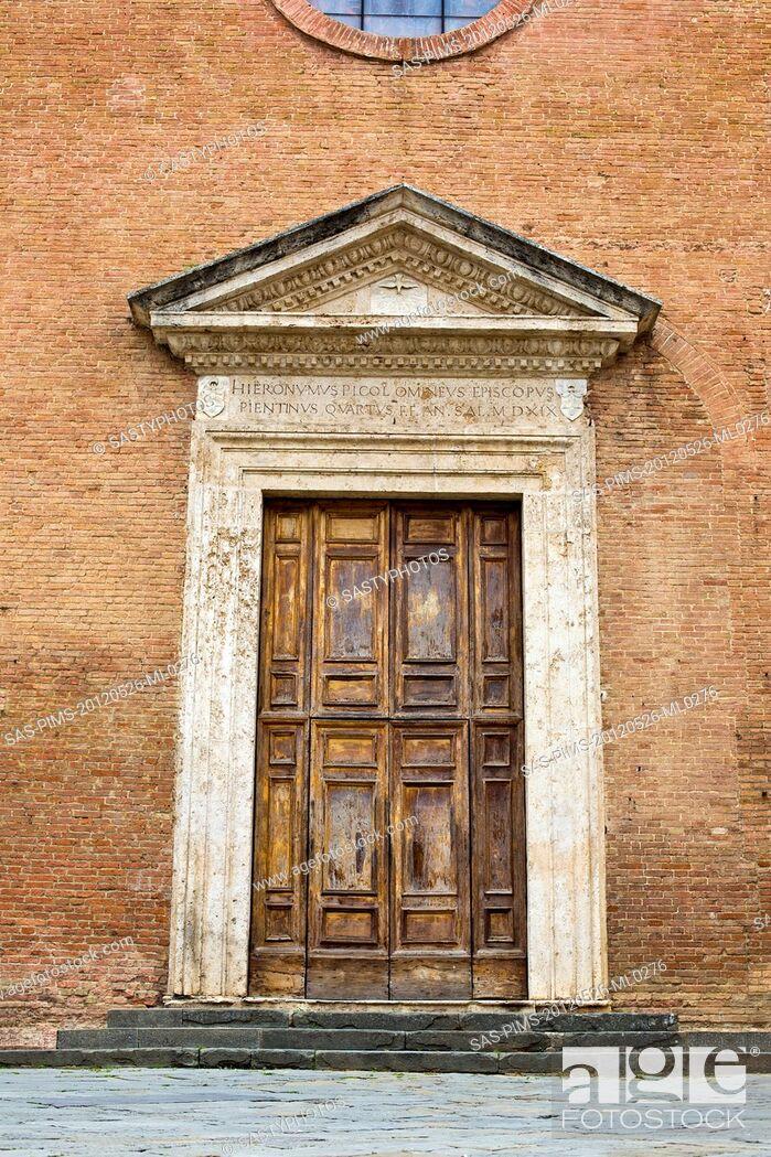 Stock Photo: Closed door of a building, Siena, Siena Province, Tuscany, Italy.