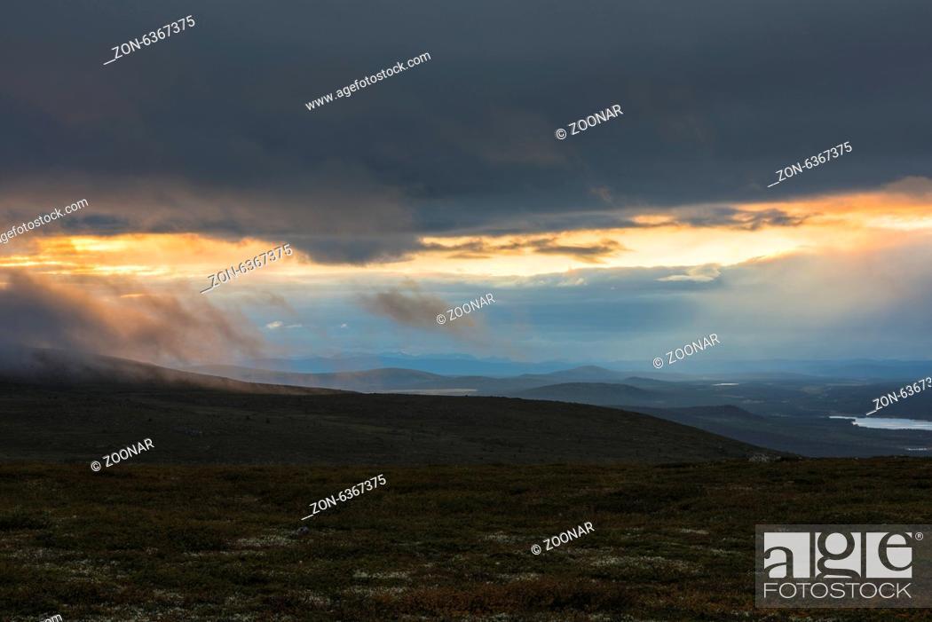 Imagen: evening mood, Lapland, Sweden.