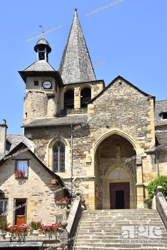 Imagen: France, Aveyron, Estaing, Unesco World Heritage Site, Saint-Fleuret church (15th C).