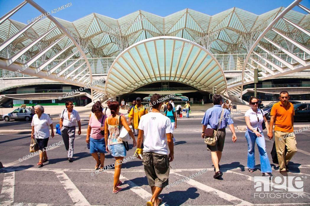 Stock Photo: Parque das Nações (Park of the Nations), site of Expo 1998. Gare do Oriente (Orient station), architect Santiago Calatrava. Portugal, Lisbon.