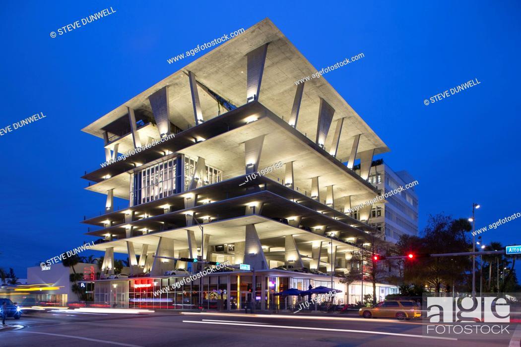 Stock Photo: Parking garage at 1111 Lincoln Road, Miami Beach, Miami, Florida (architect = Herzog & De Meuron), USA.