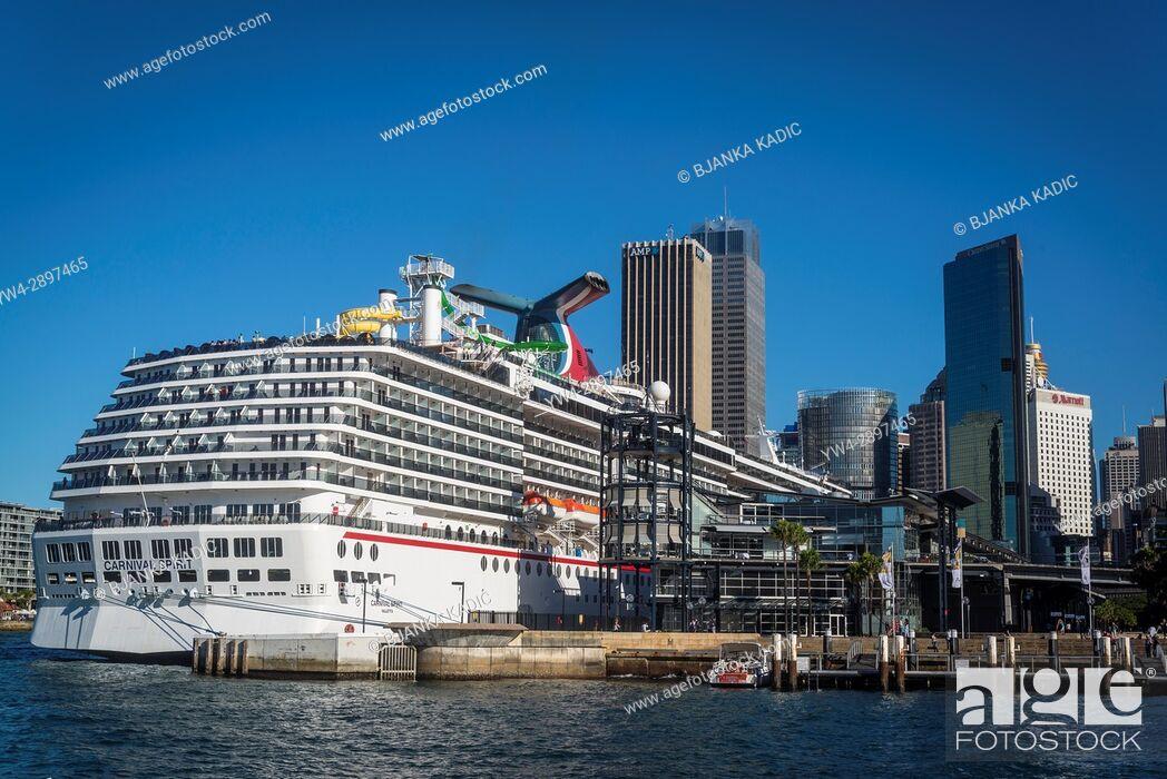 Stock Photo: Cruise liner moored at Sydney Cove Passenger Terminal, Sydney Harbour, Sydney, NSW, Australia.