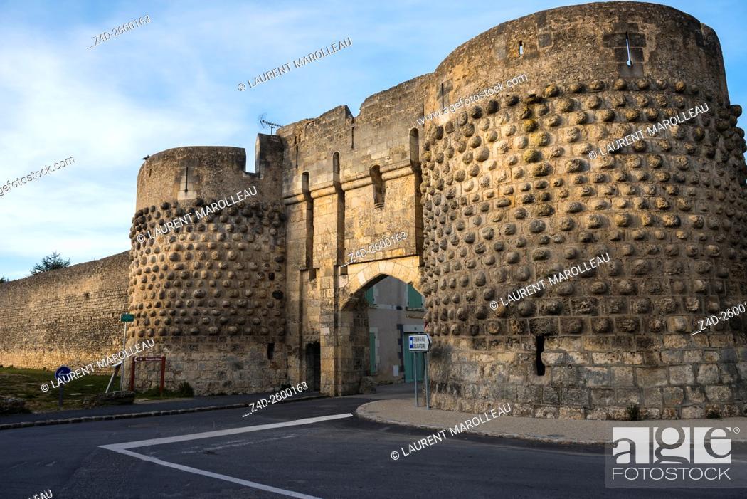 Stock Photo: The Saint John Gate and Rampart of the City of Montreuil Bellay. Maine et Loire Department, Pays de la Loire Region, Loire Valley, France, Europe.