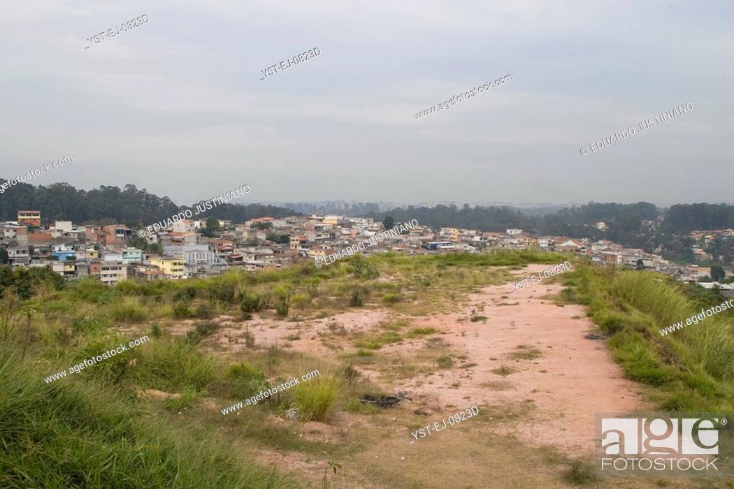 Stock Photo: Neighborhood of Guavirutuba, Guarapiranga Spring, São Paulo, Brazil.