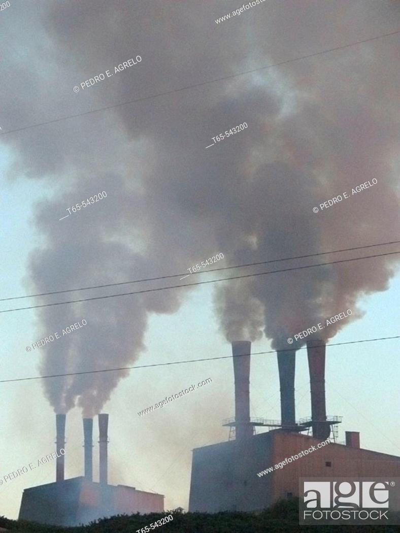 Imagen: Cement plant, Mazaricos. La Coruña province, Galicia, Spain.