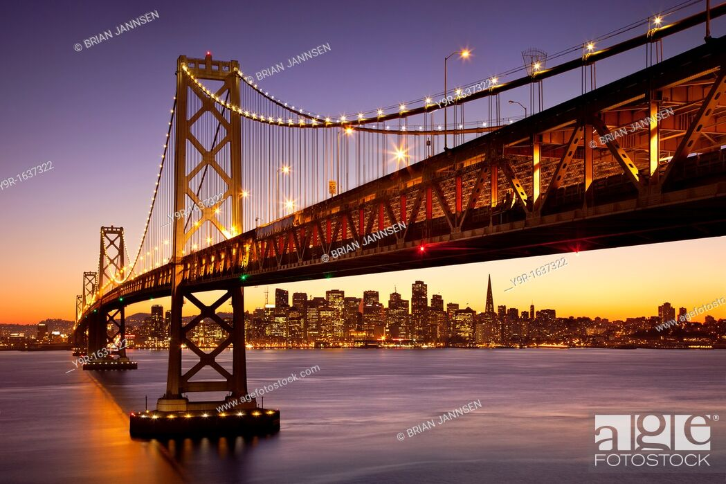 Stock Photo: Twilight at the Bay Bridge with San Francisco beyond, California, USA.