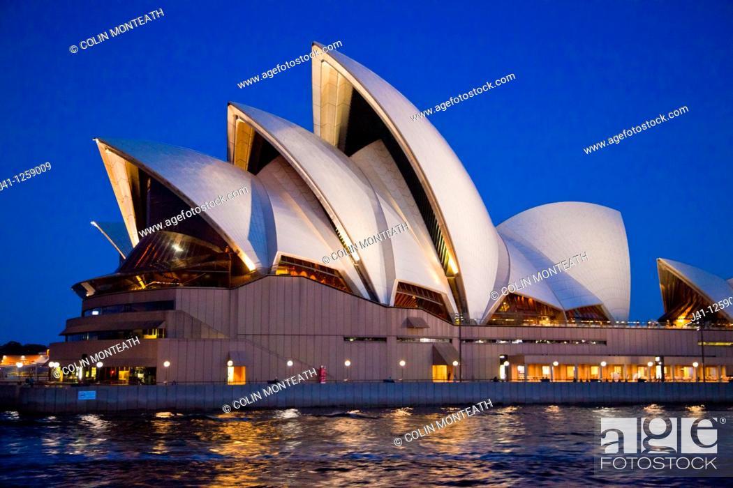 Stock Photo: Sydney opera house at dusk, Sydney, NSW, Australia.