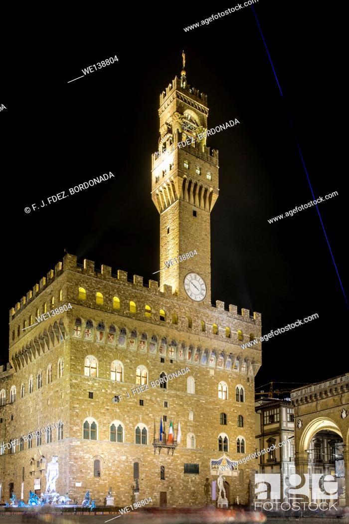 Stock Photo: Palazzo Vecchio, Piazza della Signoria, Firenze, Italy.