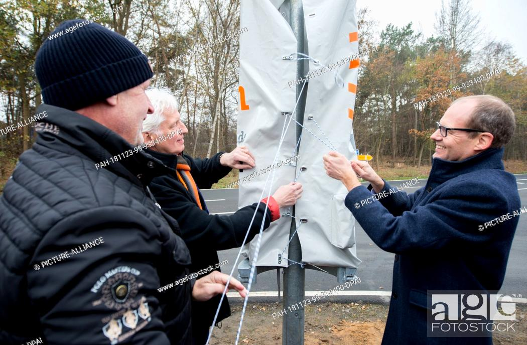 23 November 2018, Lower Saxony, Garbsen: Martin Budde (l-r