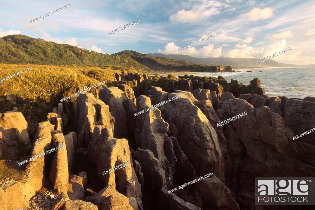 Stock Photo: New Zealand - South Island - West coast - Punakaiki - Pancake rocks.