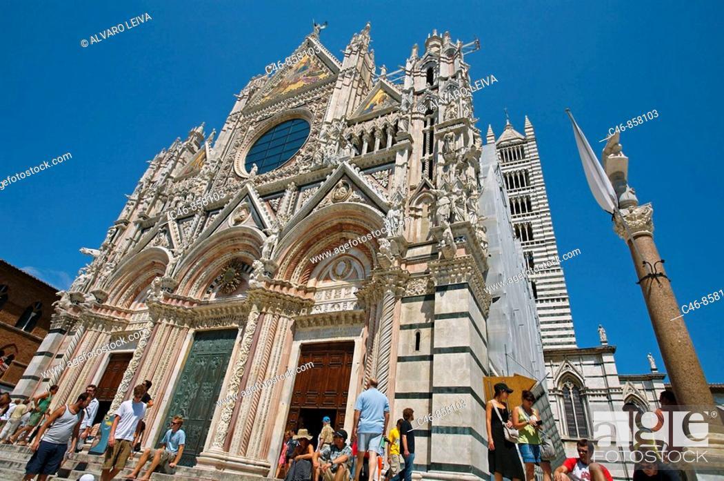 Stock Photo: Duomo (Cathedral). Siena. Tuscany. Italy.