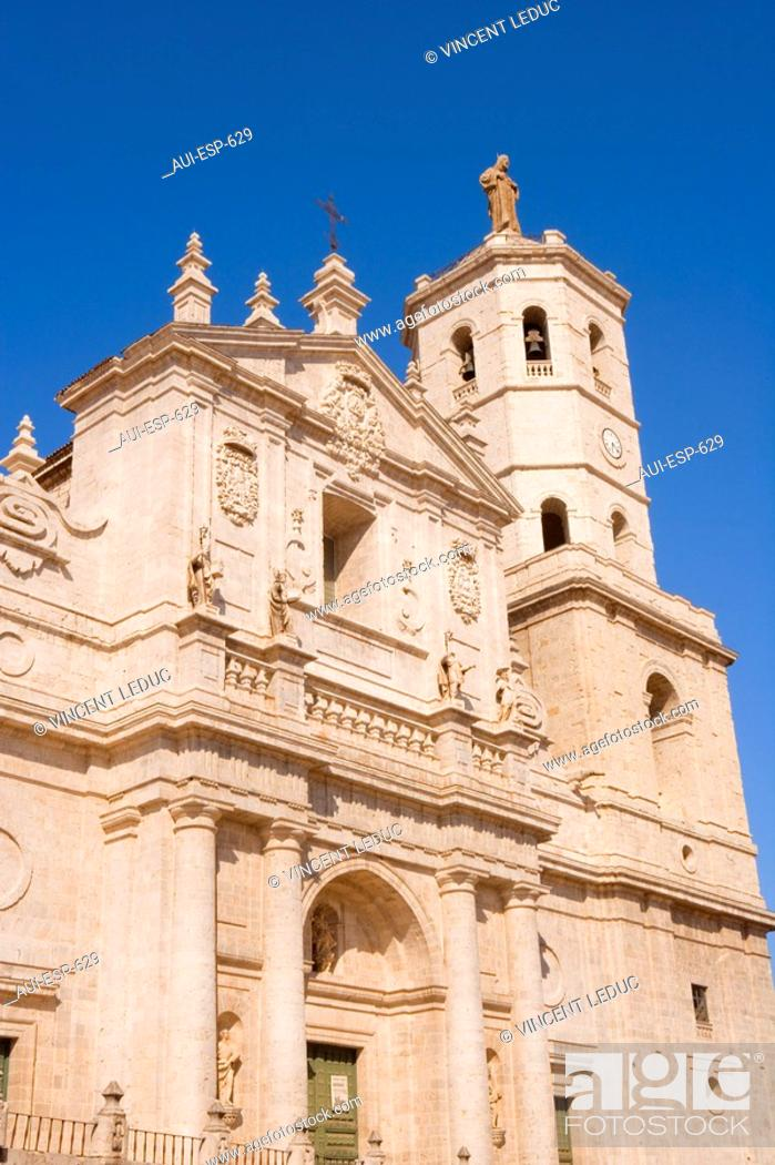 Stock Photo: Spain - Castile and Leon - Valladolid - Cathedral.