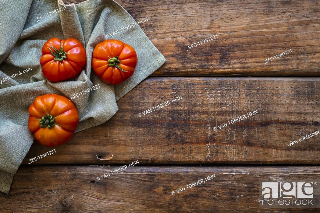 Photo de stock: Heirloom tomatoes.