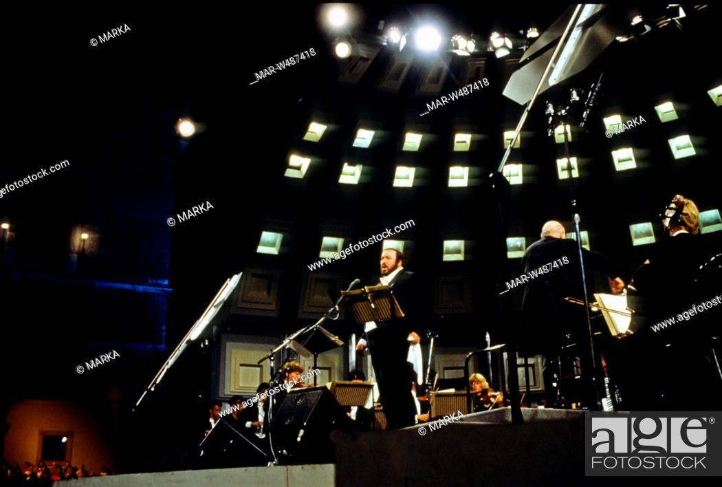 Stock Photo: luciano pavarotti.
