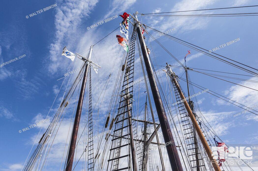 Stock Photo: USA, New England, Massachusetts, Cape Ann, Gloucester, Gloucester Schooner Festival, schooner masts.