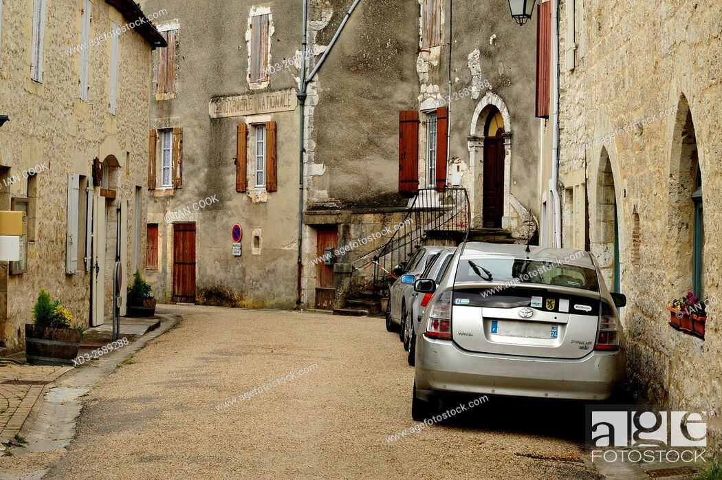 Stock Photo: Rue Sauveterre, Issigeac, Dordogne Department, Aquitaine, France.