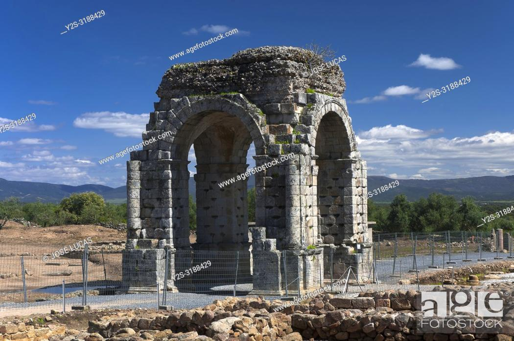 Stock Photo: Roman ruins of Caparra, Arch cuadrifronte, Via de la Plata, Guijo de Granadilla, Caceres province, Region of Extremadura, Spain, Europe.