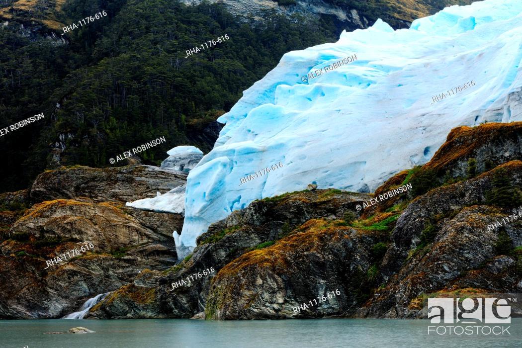 Stock Photo: A glacier in the Darwin Mountain range, Alberto de Agostini National Park, Tierra del Fuego, Patagonia, Chile, South America.