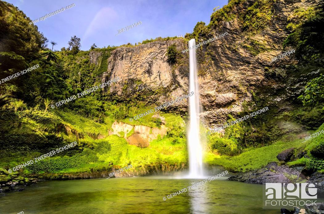 Stock Photo: Bridal Veil Falls, Raglan, Waikato, North Island, New Zealand.