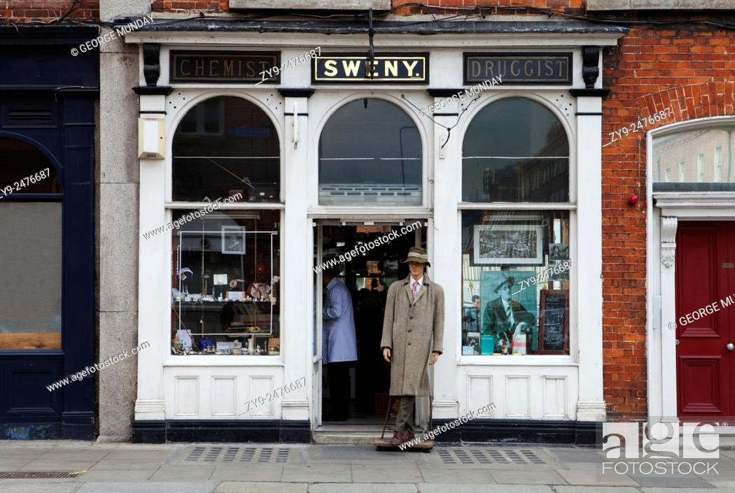 """Stock Photo: Sweny's Chemist Shop, Where Leopold Bloom bought his soap in """"""""Ulysses"""""""" - and now a Museum, WestlandRow, Dublin City, Ireland."""