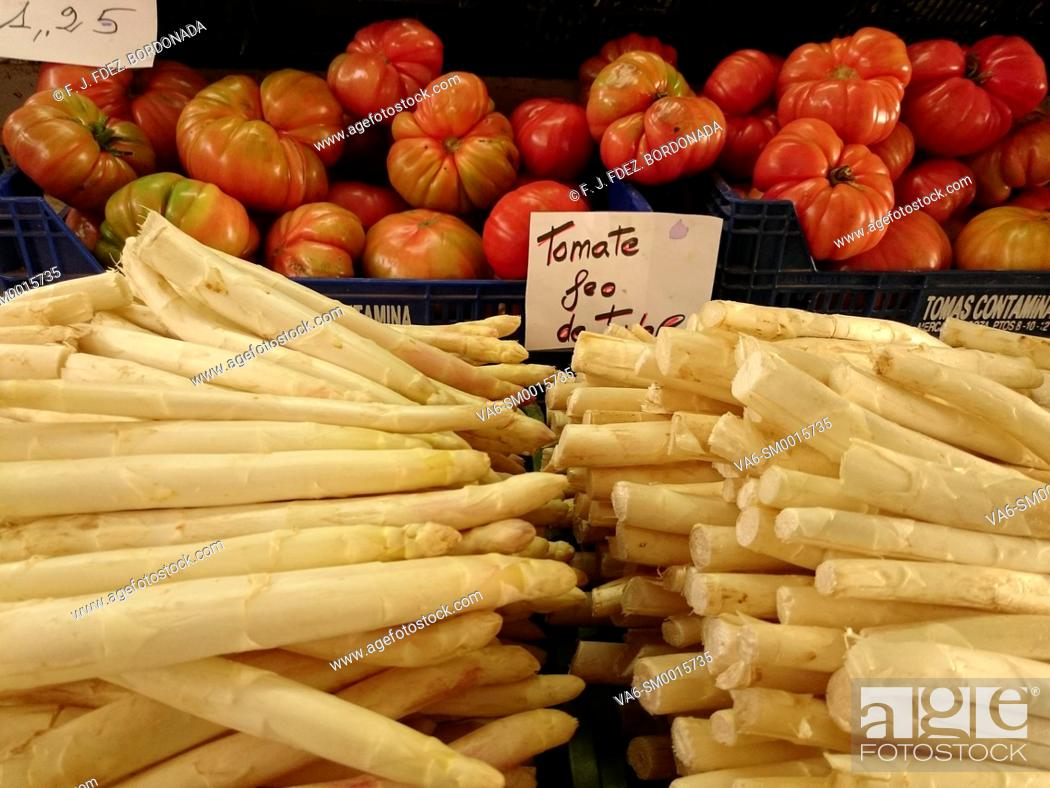 Stock Photo: Vegetables market in Tudela, Navarre, Spain.