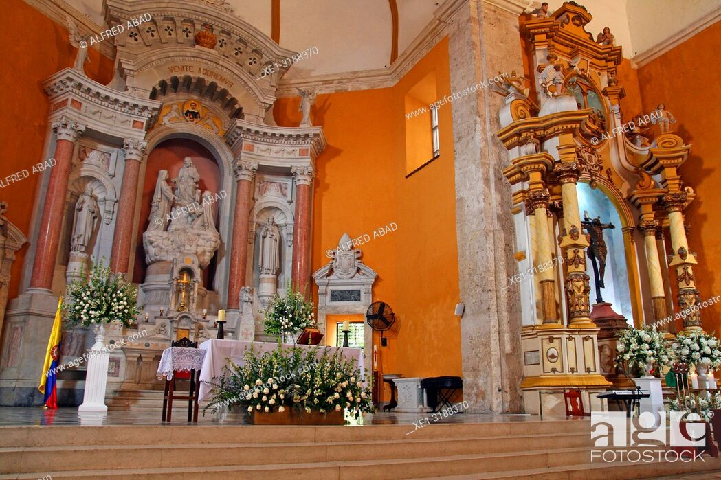 Stock Photo: altar of the church of the Convent of Santo Domingo, Cartagena de Indias, Colombia.