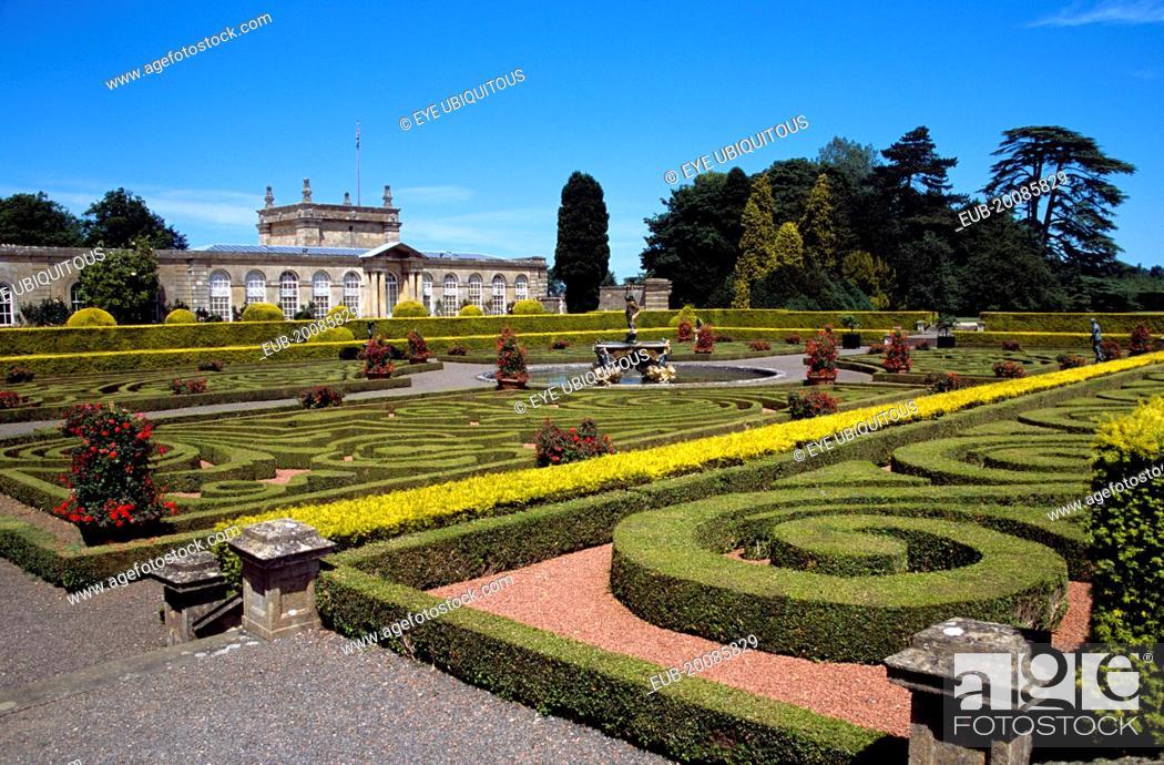 Stock Photo: Blenheim Palace. Italian garden.