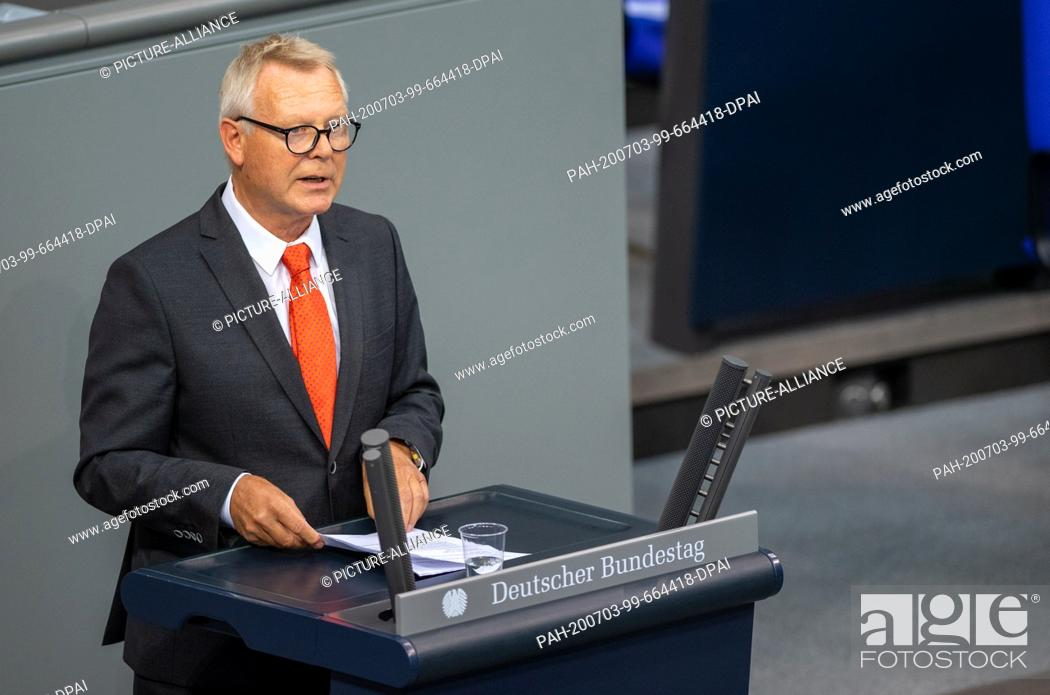 Imagen: 03 July 2020, Berlin: Karlheinz Busen (FDP) speaks in the plenary session of the German Bundestag. The main topics of the 171st session of the 19th legislative.