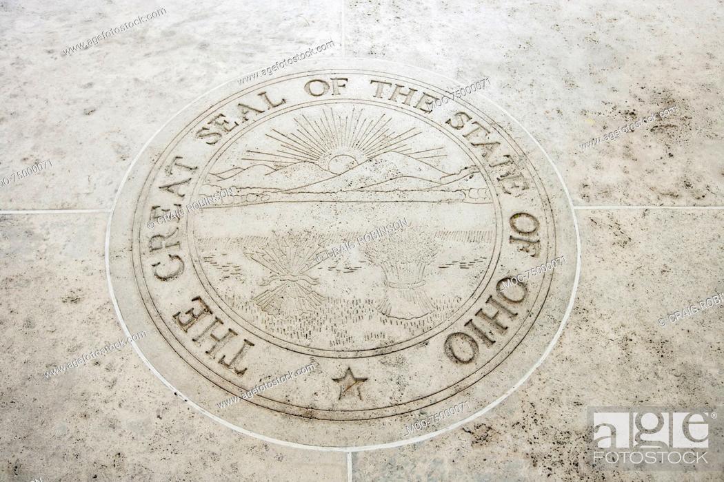 Imagen: Seal of Ohio in Fort Bonifacio, Manila, Philippines.