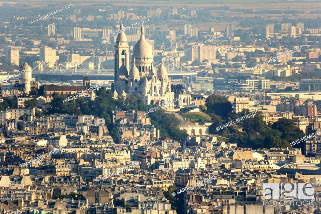 Stock Photo: France, Paris, general view with the Basilica of the Sacred Heart on the hill of Montmartre.