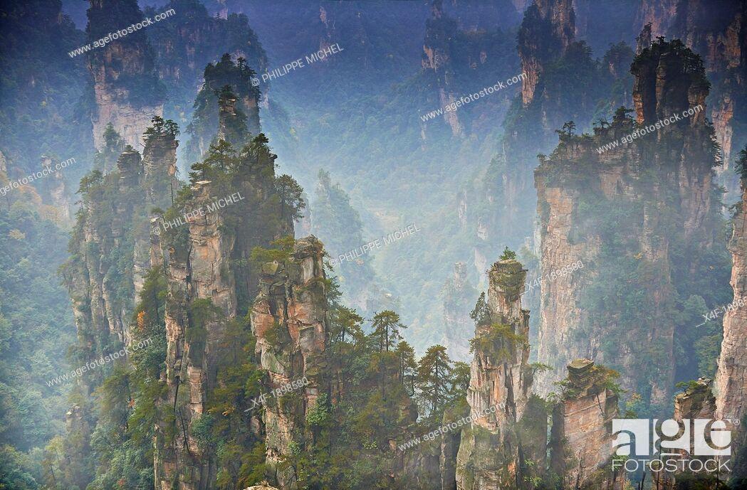 Photo de stock: China, Hunan Province, Zhangjiajie, Wulingyuan Scenic Area, Zhangjiajie National Forest Park, Unesco world Heritage.