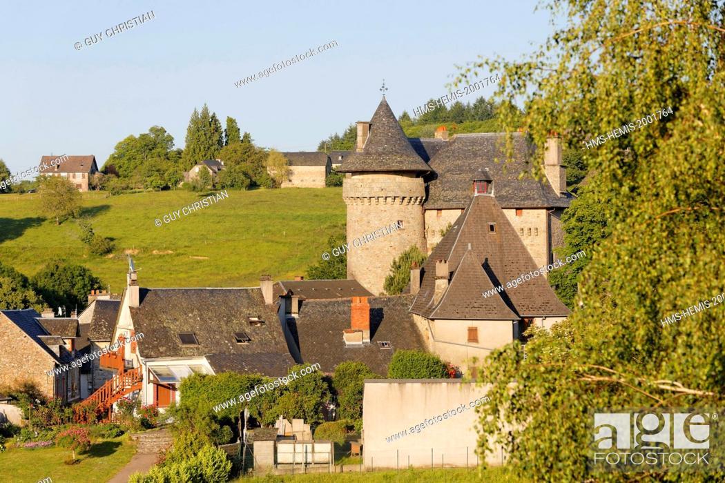 Stock Photo: France, Correze, Sainte Fortunade, the castle.