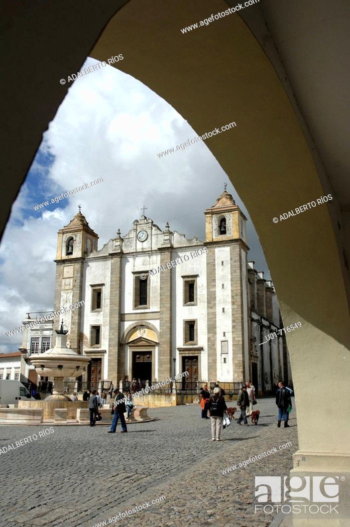 Stock Photo: Church of Santo Antão, Praça do Giraldo, Évora, Alentejo, Portugal.