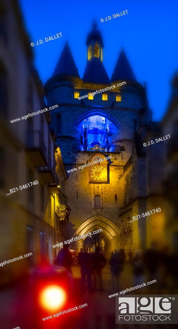 """Stock Photo: France, Nouvelle Aquitaine, Gironde, """"""""Grosse Cloche"""""""" on """"""""Porte Saint Eloï"""""""" gate at Bordeaux. Pilgrimage way to Santiago de Compostela."""