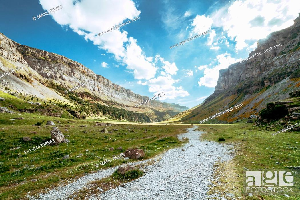 Stock Photo: View of Circo de Soaso, Ordesa National Park, Aragon. Pyrenees Mountains, Spain.