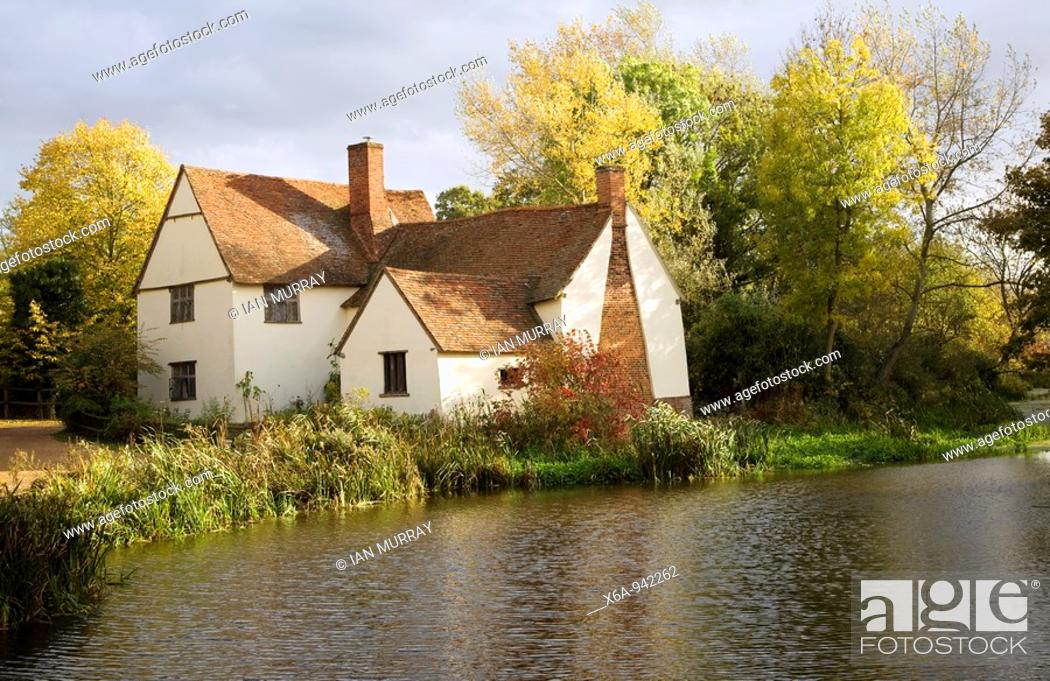 Stock Photo: Willy Lot's House Cottage, Flatford Mill, Suffolk, England  An ancient farmhouse made famous by a painting by artist John Constable.