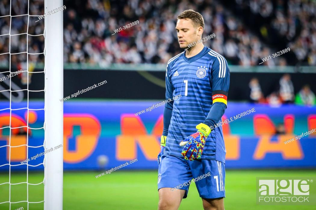Imagen: Wolfsburg, Germany, March 20, 2019: German goalkeeper Manuel Neuer during the international friendly game between Germany and Serbia at Volkswagen Arena in.