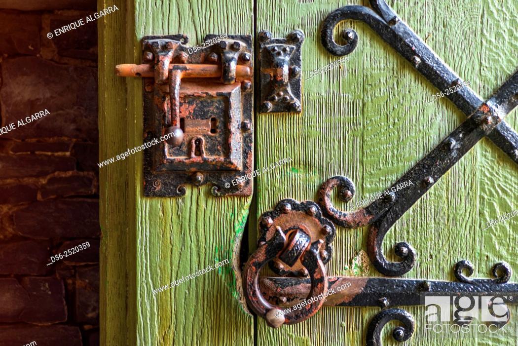 Stock Photo: aged door, Ghent, Belgium.
