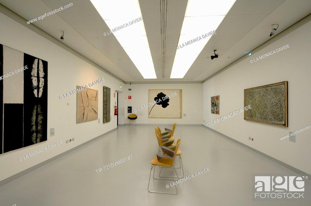 Museo Del 900 Milano.Museo Del Novecento Milano Italy Stock Photo Picture And Rights