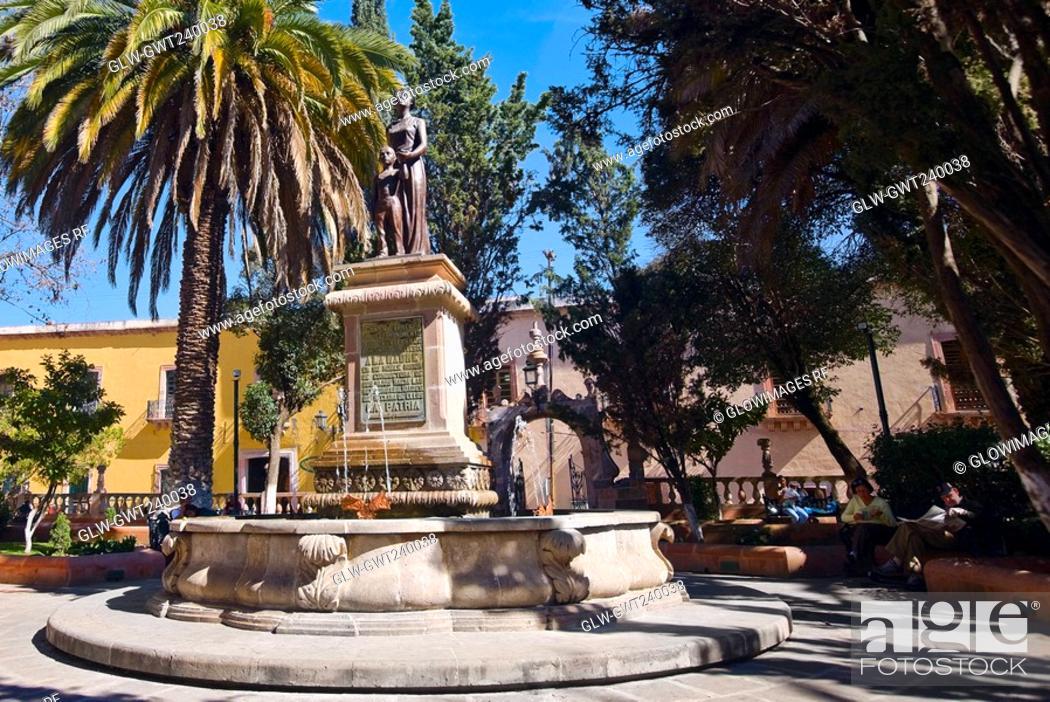 Stock Photo: Statue in a garden, Zacatecas, Mexico.