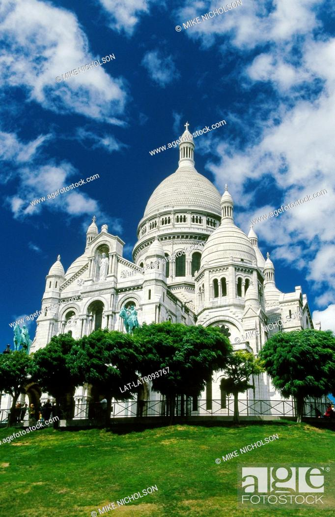 Stock Photo: Montmartre. Basilica Sacre Coeur church. White marble.