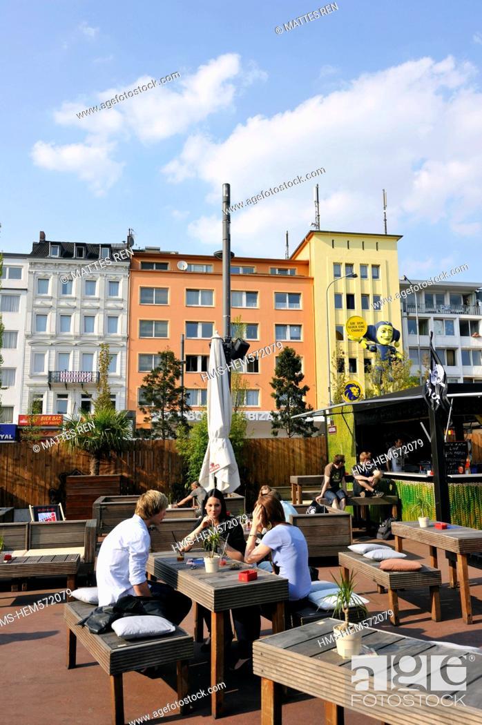 Stock Photo: Germany, Hamburg, European Green Capital 2011, Sankt Pauli district, the Reeperbahn street.