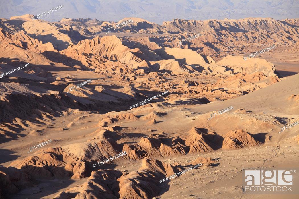Stock Photo: Chile, Antofagasta Region, Atacama Desert, Valle de la Luna;.