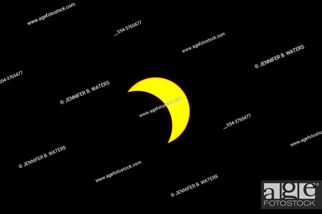 Stock Photo: Solar eclipse prior to totality in Pedee, Oregon, USA.