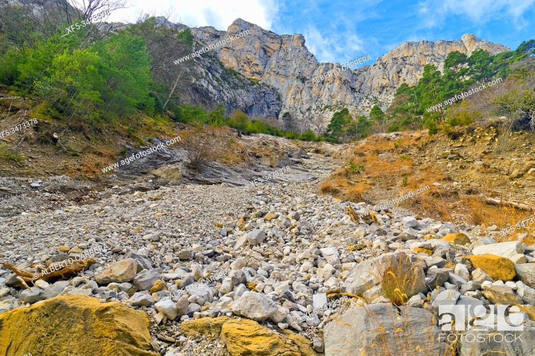 Imagen: Stone River, Ansó Valley, Valles Occidentales Natural Park, Jacetania, Pyrenees, Huesca, Aragón, Spain, Europe.