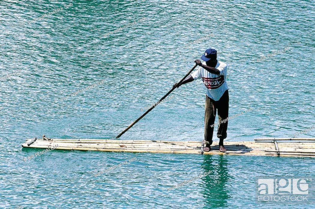 Stock Photo: Jamaica, Rio Grande river, bamboo rafting.