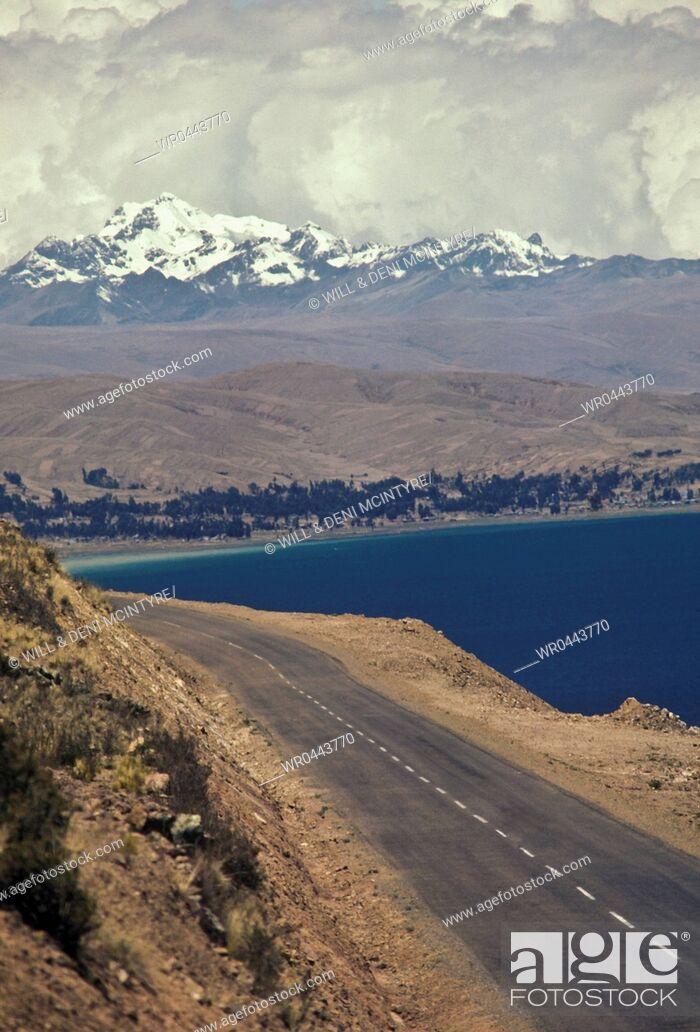 Imagen: Costal Road at Lake Titicaca.