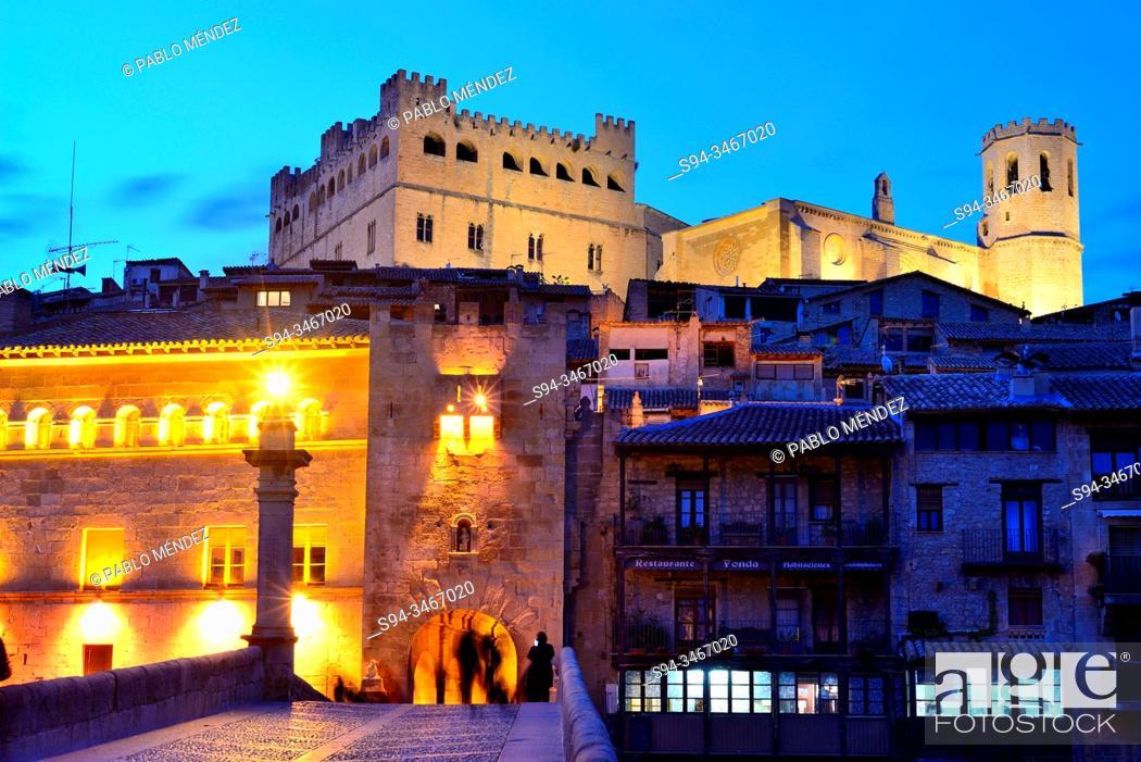 Stock Photo: Facades, castle and church in Valderrobres, Teruel, Aragon, Spain.