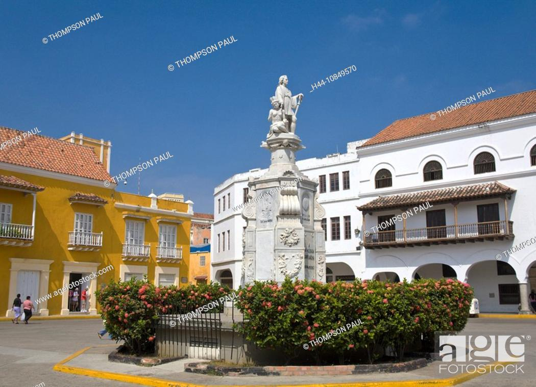 Stock Photo: Colombia, Cartagena, statue, Christopher Columbus, Plaza del la Aduana, Central America, people, daytime.