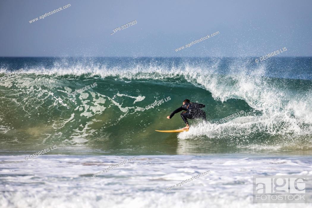 Imagen: Surfer, sport, Atlantic Ocean, wave, Cote Sauvage, Savage Coast, Quiberon, Morbihan, Bretagne.